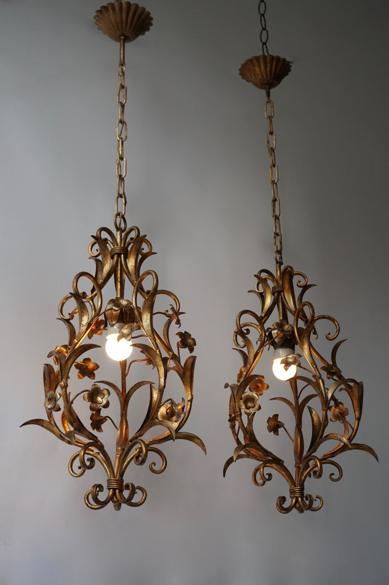 20th Century Set of Two Italian, 1950s Gilt-Tole Foliate Chandeliers For Sale