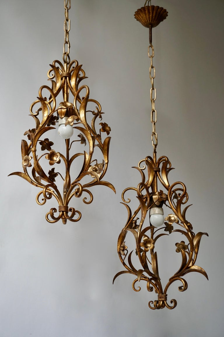 Set of Two Italian, 1950s Gilt-Tole Foliate Chandeliers For Sale 1