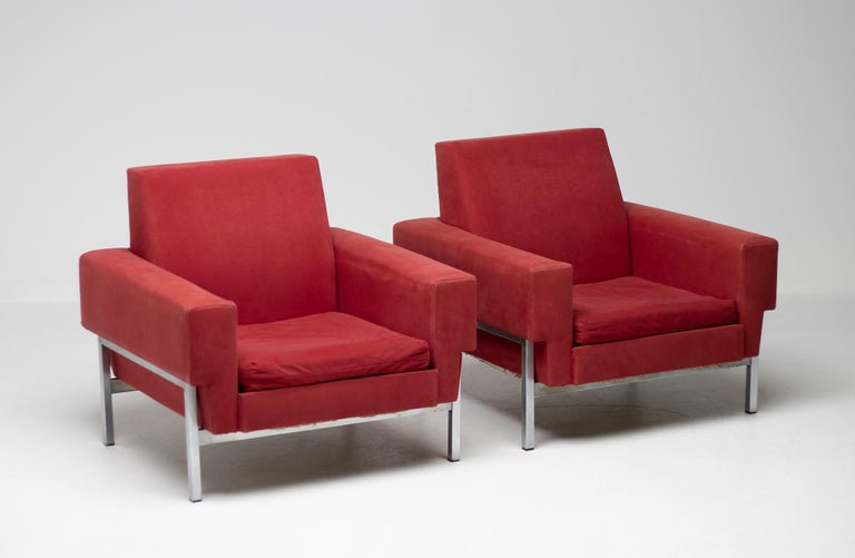 Mid-Century Modern Set of Two Italian Armchairs by Saporiti For Sale