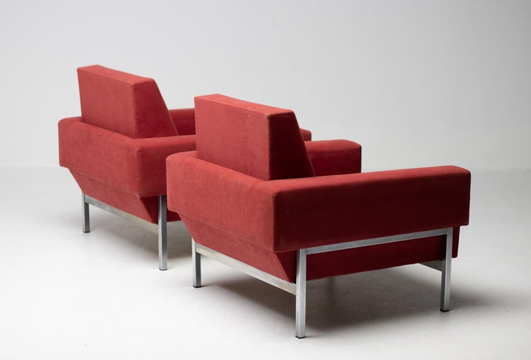 Mid-20th Century Set of Two Italian Armchairs by Saporiti For Sale
