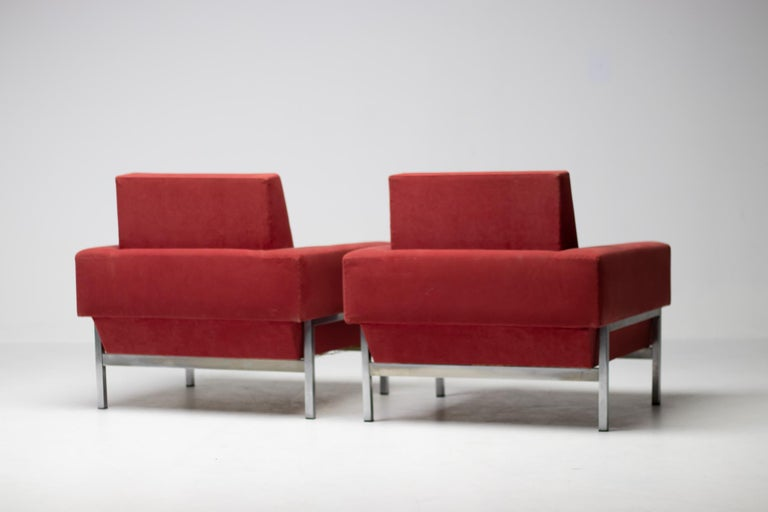 Fabric Set of Two Italian Armchairs by Saporiti For Sale