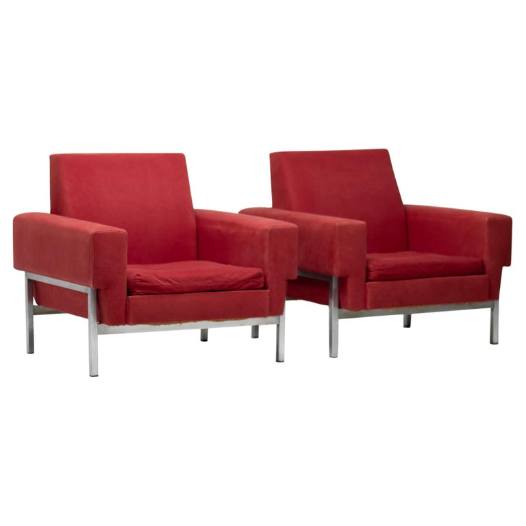 Set of Two Italian Armchairs by Saporiti For Sale