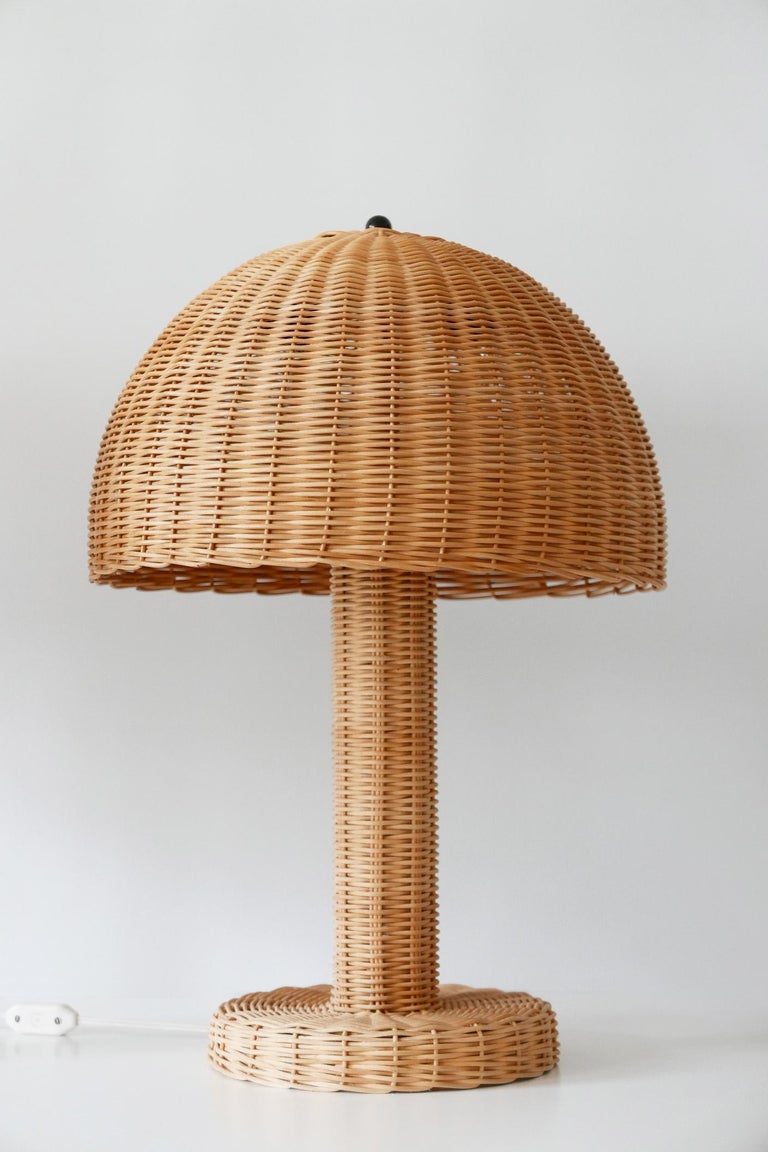 Italian Set of Two Large and Elegant Mid-Century Modern Wicker Table Lamps, 1970s, Italy For Sale