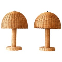 Set of Two Large and Elegant Mid-Century Modern Wicker Table Lamps, 1970s, Italy