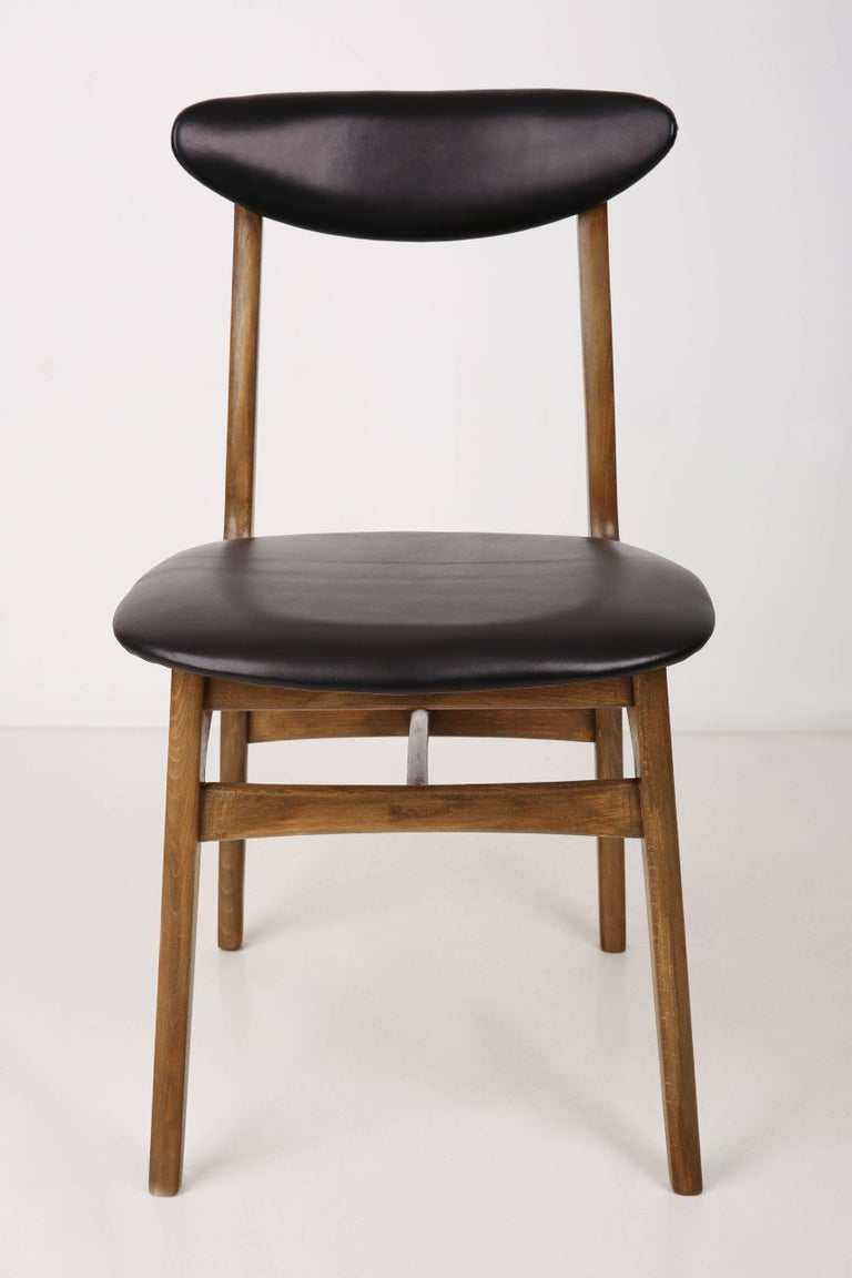 Set of Two Leather 20th Century Black Chairs, 1960s For Sale 4