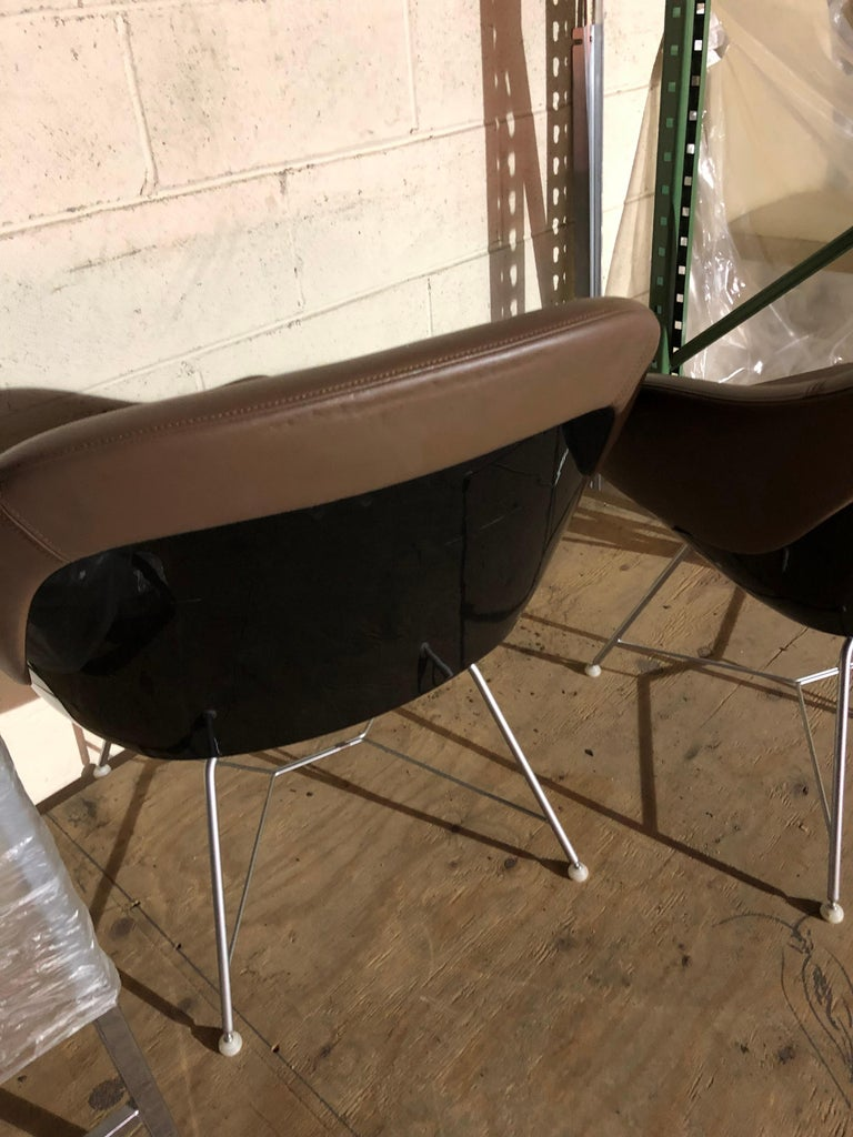 Set of two Walter Knoll Leather Turtle Lounge Chairs For Sale 4