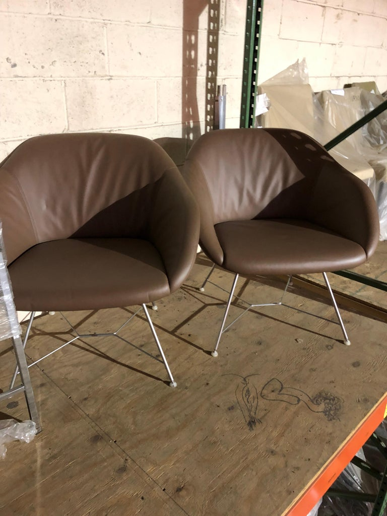 Set of two Walter Knoll Leather Turtle Lounge Chairs For Sale 2