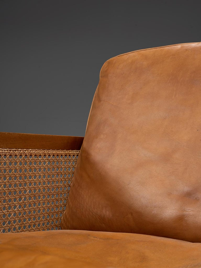 Mid-20th Century Set of Two Lounge Chairs in Mahogany and Cognac Leather For Sale