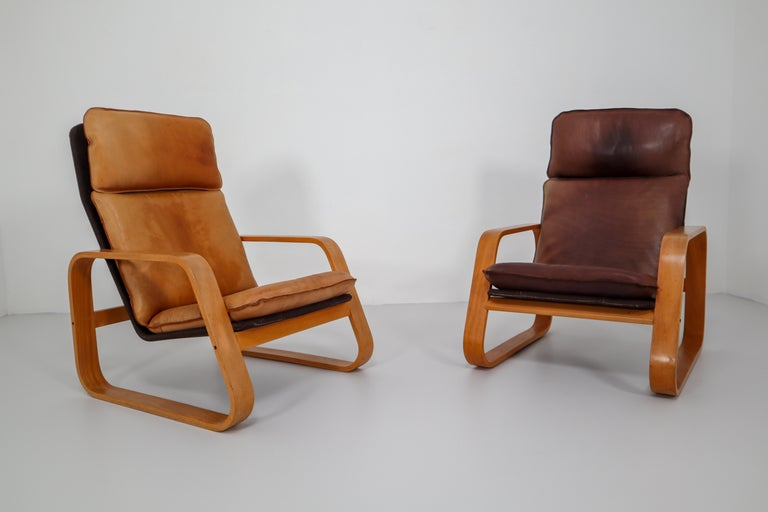 Mid-Century Modern Set of Two Lounge Chairs, Patinated Leather and Bentwood, France, 1970s For Sale