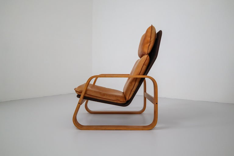 Set of Two Lounge Chairs, Patinated Leather and Bentwood, France, 1970s For Sale 1