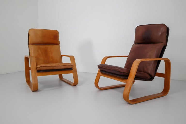 Set of Two Lounge Chairs, Patinated Leather and Bentwood, France, 1970s For Sale 2