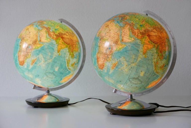 Mid-Century Modern Set of Two Midcentury Columbus Duo Earth Globes or Side Table Lamps, 1960s For Sale