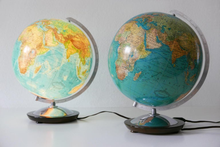 Set of Two Midcentury Columbus Duo Earth Globes or Side Table Lamps, 1960s In Good Condition For Sale In Munich, DE