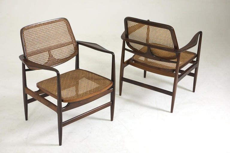 Set of Two Mid-Century Modern Oscar Armchairs by Sergio Rodrigues, Brazil, 1956 For Sale 3
