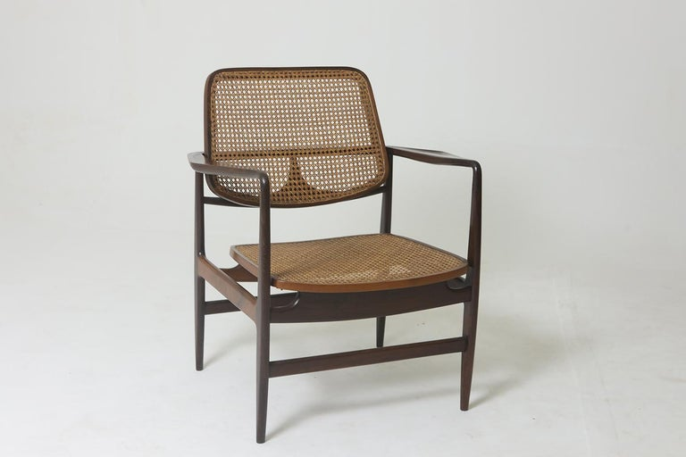 Cane Set of Two Mid-Century Modern Oscar Armchairs by Sergio Rodrigues, Brazil, 1956 For Sale