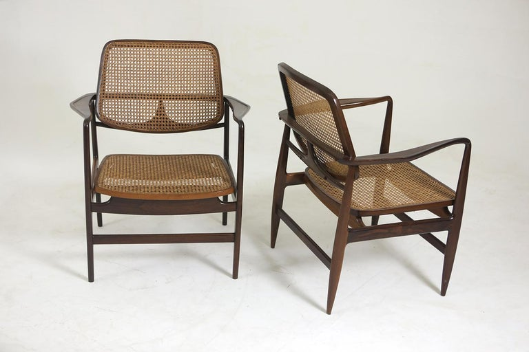 Set of Two Mid-Century Modern Oscar Armchairs by Sergio Rodrigues, Brazil, 1956 For Sale 2