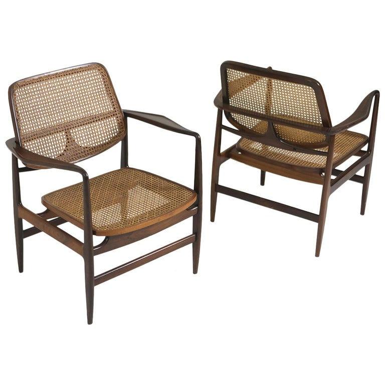 Set of Two Mid-Century Modern Oscar Armchairs by Sergio Rodrigues, Brazil, 1956 For Sale