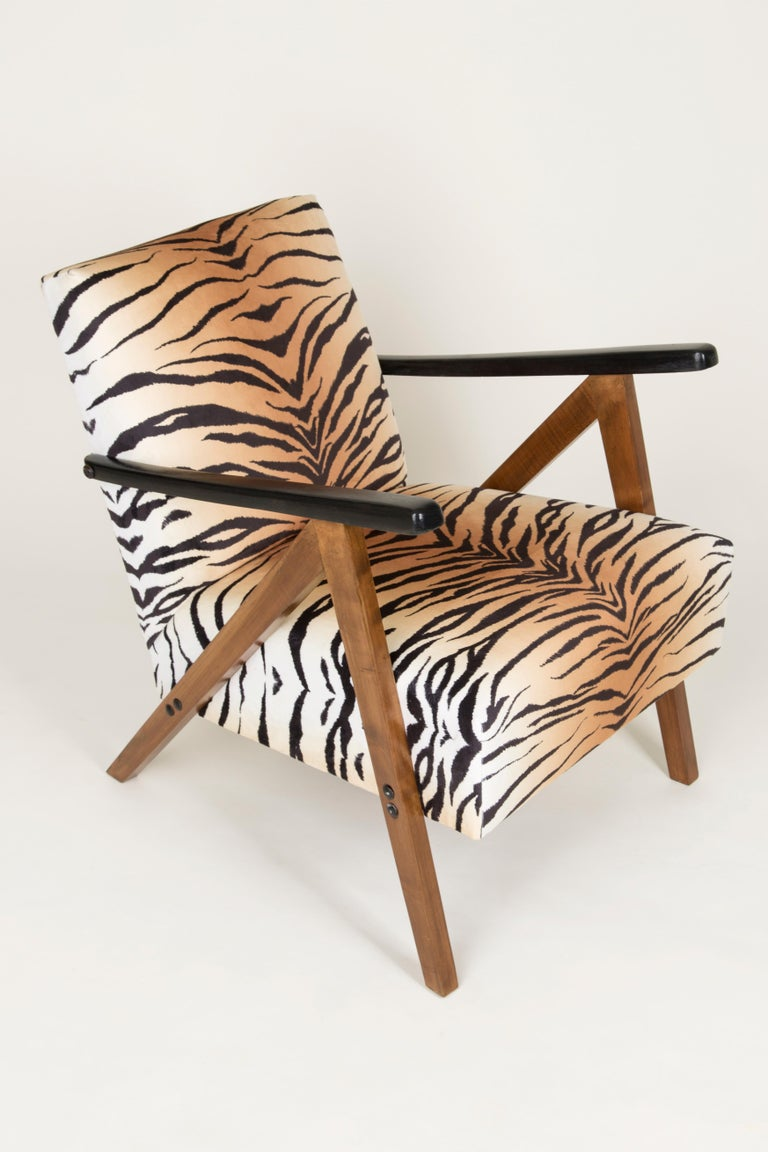 Set of Two Mid-Century Modern Tiger Print Armchairs, 1960s, Germany In Excellent Condition For Sale In 05-080 Hornowek, PL