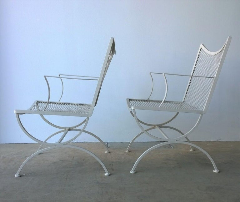 20th Century Set of 2 Bob Anderson Refinished Wrought Iron Patio Armchairs in Almond White For Sale