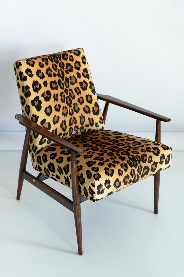 Polish Set of Two Midcentury Leopard Print Velvet Dante Armchairs, H. Lis, 1960s For Sale