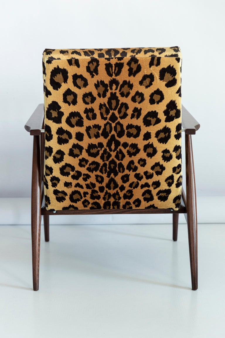 Set of Two Midcentury Leopard Print Velvet Dante Armchairs, H. Lis, 1960s For Sale 1