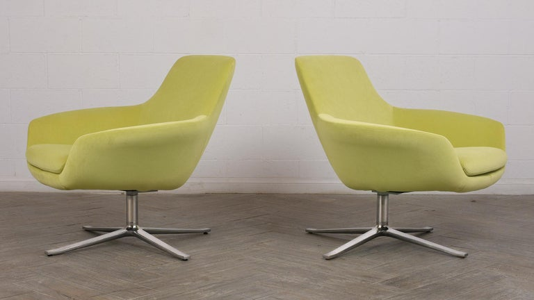 American Set of Two Modern Swivel Lounge Chairs For Sale
