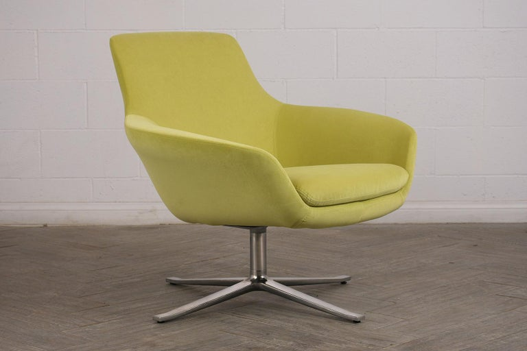 Hand-Crafted Set of Two Modern Swivel Lounge Chairs For Sale
