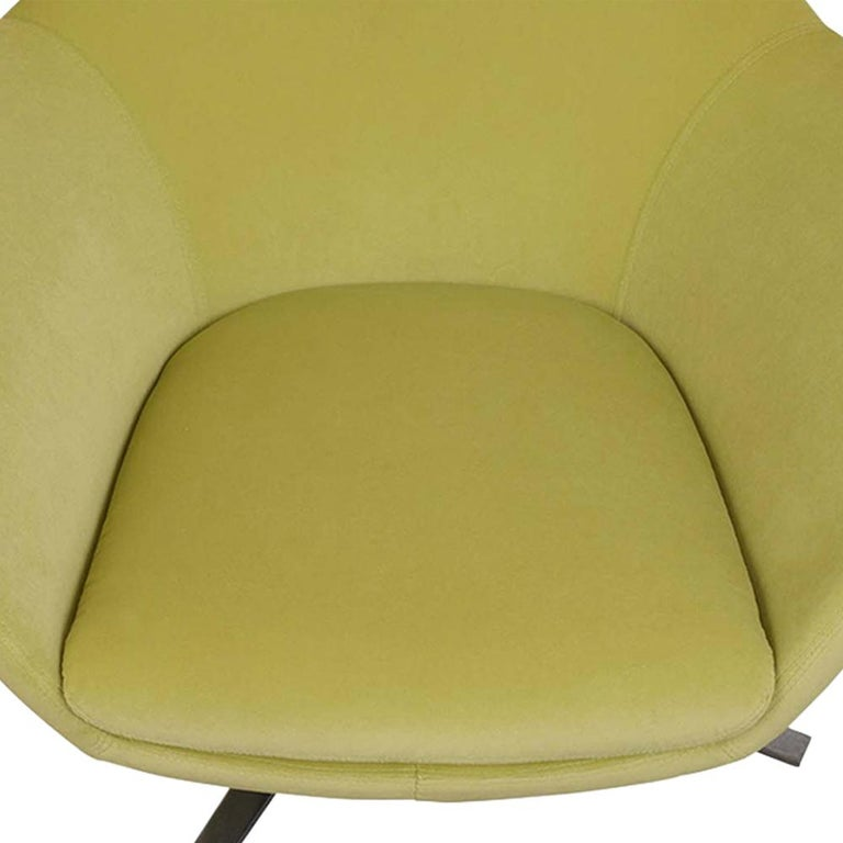 Metal Set of Two Modern Swivel Lounge Chairs For Sale