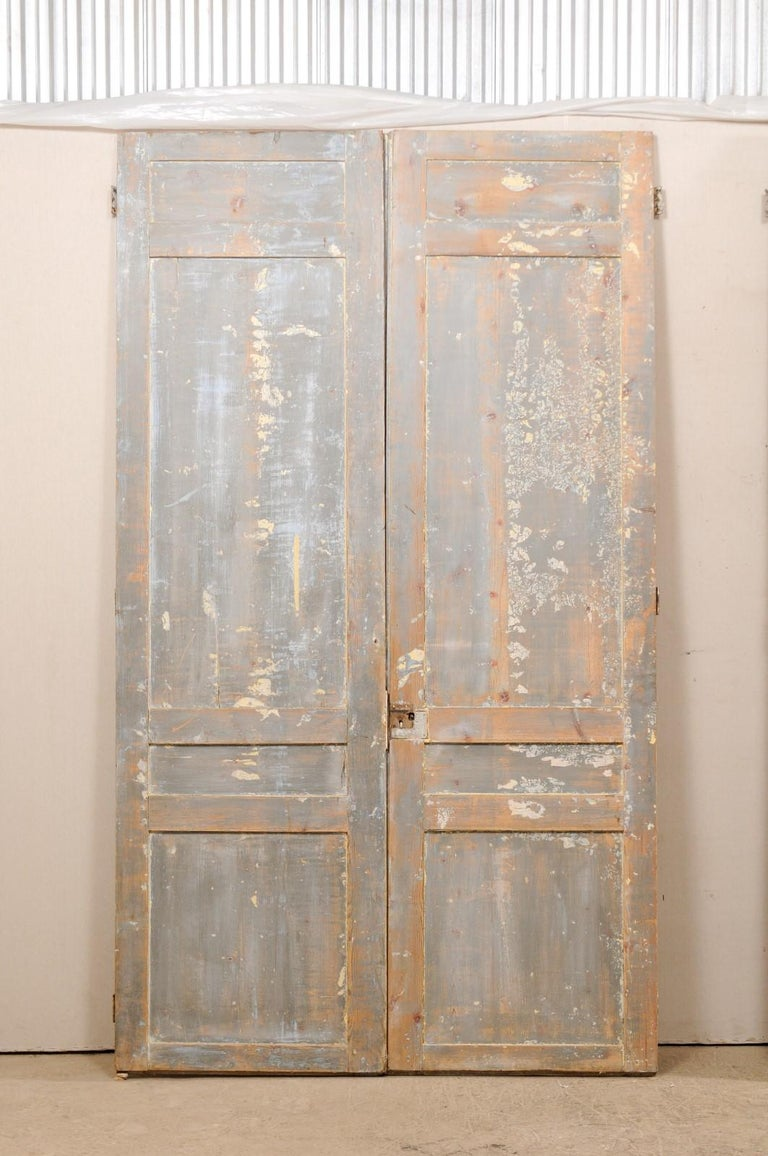 Set of Two Pairs of 19th Century Painted Wood French Doors For Sale 4