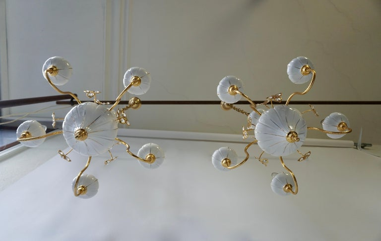 Set of Two Porcelain and Brass Butterfly Chandeliers In Good Condition For Sale In Antwerp, BE