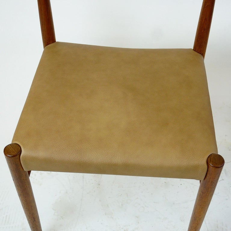 Set of Two Scandinavian Modern Teak Dining Chairs by H. W. Klein for Bramin For Sale 1