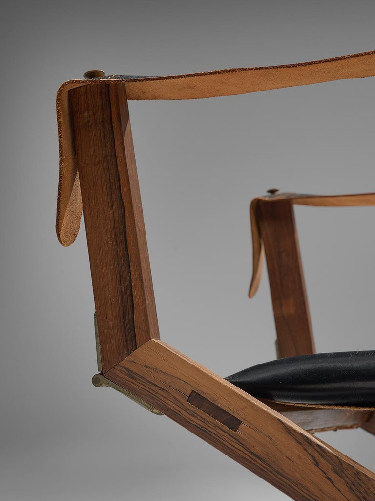 Set of Two Scandinavian Safari X-Chairs in Black Leather  For Sale 3