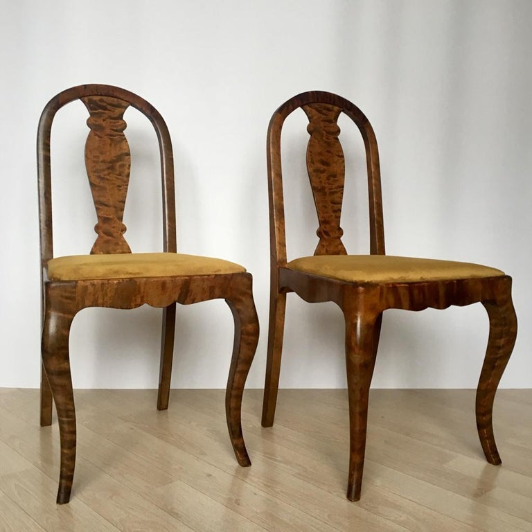 Set of Two Swedish Satin Birch Chairs, 1910s In Good Condition For Sale In Riga, Latvia
