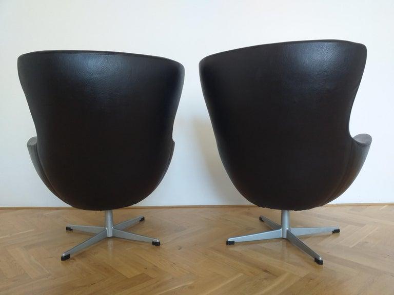 Set of Two Swivel Lounge Armchairs Egg, Kanari, Denmark, 1970s For Sale 2