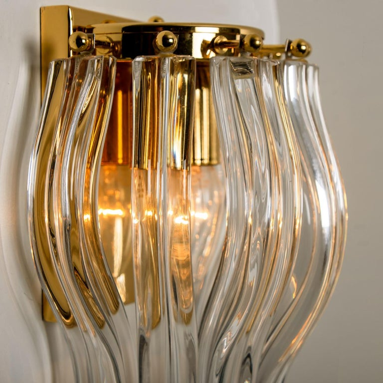 Set of Two Venini Style Murano Glass and Gilt Brass Sconces, Italy For Sale 1