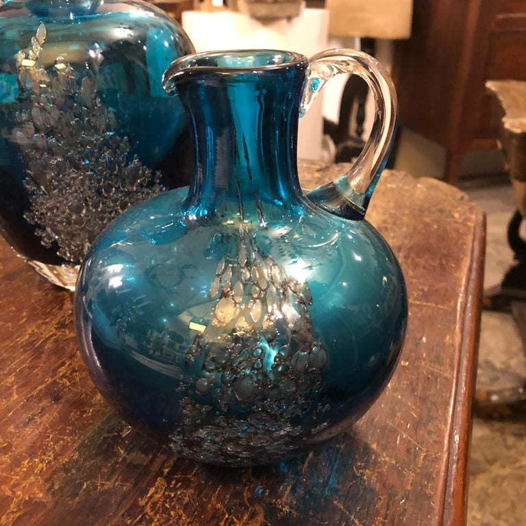 Set of Two Vintage Blue Glass Jugs by Mdina Glass, circa 1980 In Excellent Condition For Sale In Aci Castello, IT