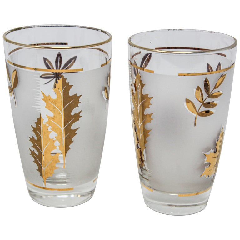 Set of Two Vintage Cocktail Glasses by Libbey For Sale