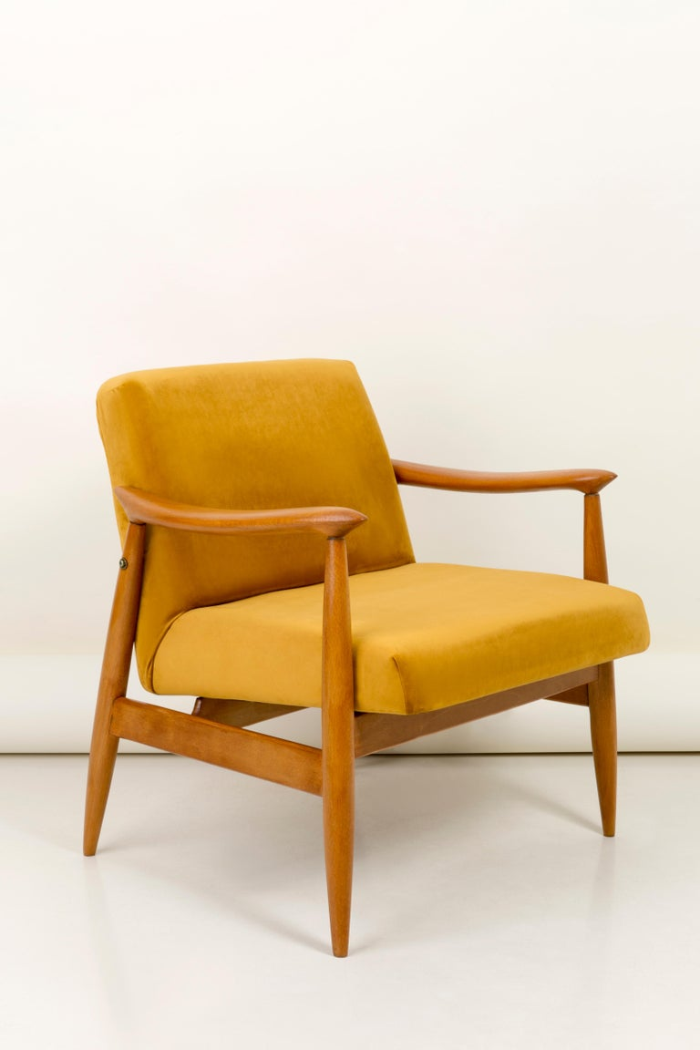 The GFM armchair is an icon of the polish design of the PRL period.  The famous armchair was designed in 1962 by the Polish interior designer and furniture designer  Juliusz Kedziorek. Produced in the Lower Silesian Furniture Factory in