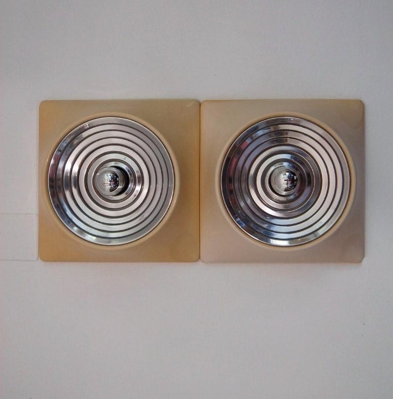 Mid-Century Modern Set of Two Wall Lamps by Nizzoli Associati for Stilnovo For Sale