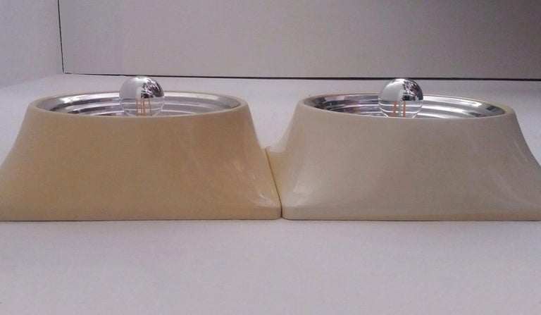 Italian Set of Two Wall Lamps by Nizzoli Associati for Stilnovo, 1969 For Sale