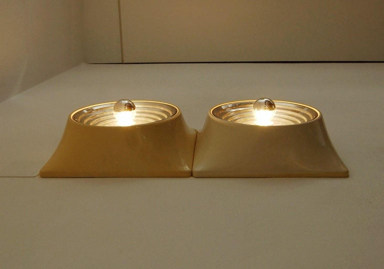 Mid-20th Century Set of Two Wall Lamps by Nizzoli Associati for Stilnovo For Sale