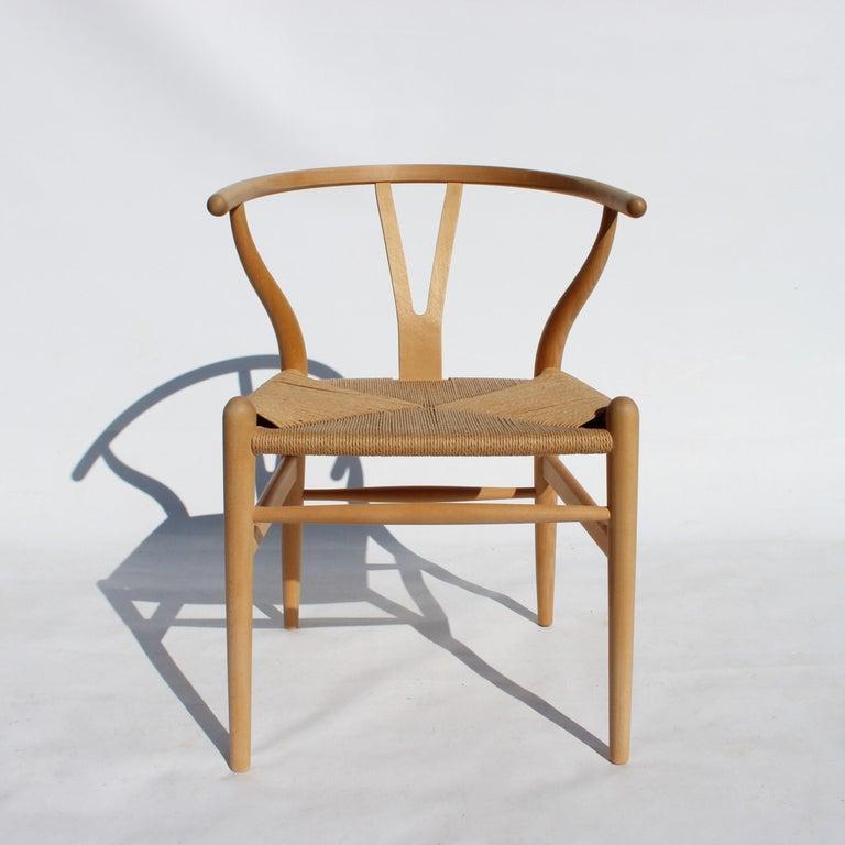 Scandinavian Modern Set of Two Wishbone Chairs, Model CH24, of Beech Hans J. Wegner For Sale