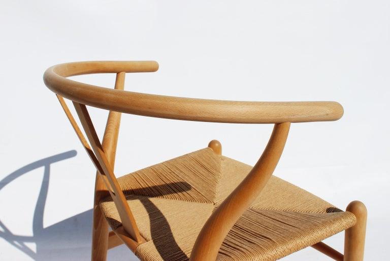 Set of Two Wishbone Chairs, Model CH24, of Beech Hans J. Wegner For Sale 1