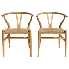 Set of Two Wishbone Chairs, Model CH24, of Beech Hans J. Wegner
