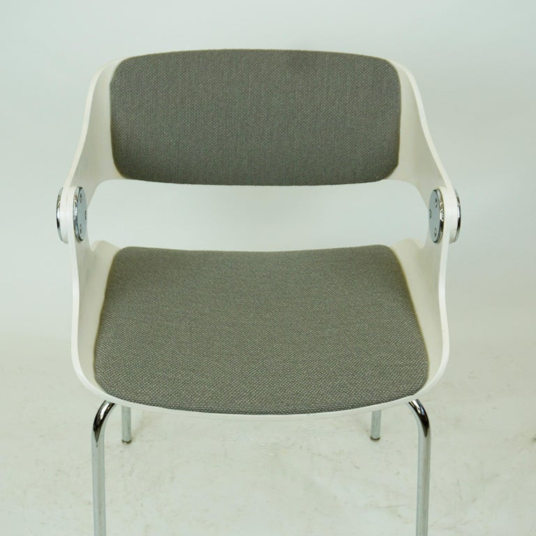 Set of White Space Age Plywood and Grey Fabric Chairs by Eugen Schmidt Germany 10