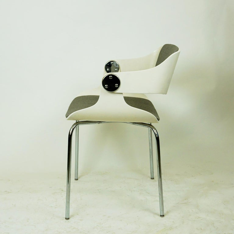 Lacquered Set of White Space Age Plywood and Grey Fabric Chairs by Eugen Schmidt, Germany For Sale