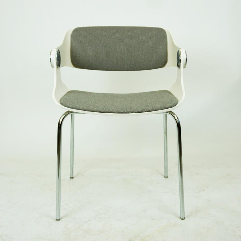 Set of White Space Age Plywood and Grey Fabric Chairs by Eugen Schmidt Germany 3