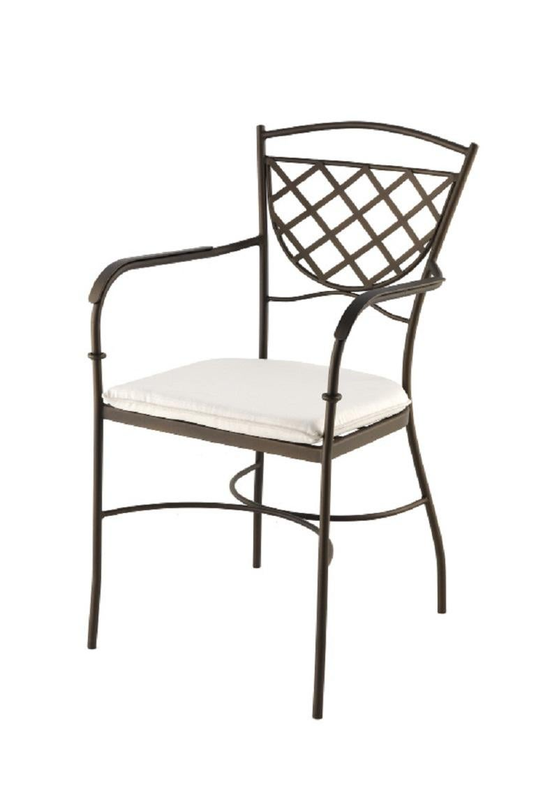Set of Wrought Iron Dining Table and Armchairs, Garden or Patio Furniture In Excellent Condition For Sale In Miami, FL