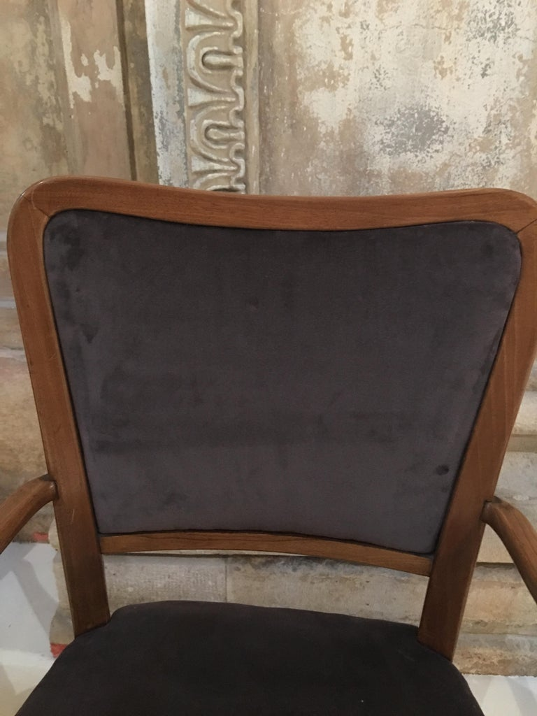 Set of 8 Dining Chairs Attributed to Paolo Buffa For Sale 1