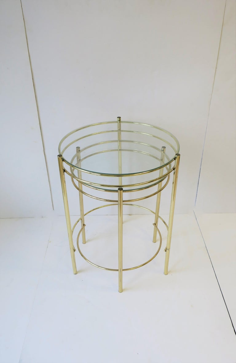 Set Round Brass and Glass Nesting End or Side Tables For Sale 1